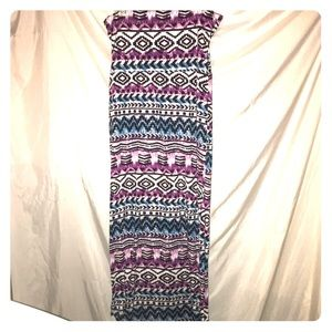 Colorful Aztec like print maxi skirt.